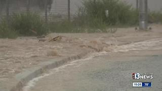 Rain, flooding, water rushing through streets in northwest Las Vegas - Video