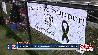 Wyandotte football team, fans honor Beggs shooting victims