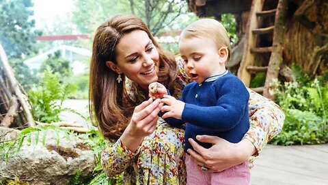 Kate Middleton and Prince William share new photos of their adorable family