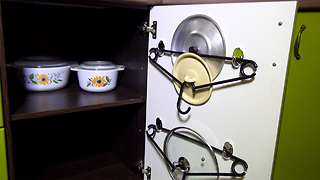 Kitchen Life Hack: Hangers - Video