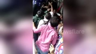 Horror stampede at Mumbai station - Video