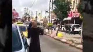Israeli Soldiers Wounded After 'Accidentally' Entering Palestinian City - Video