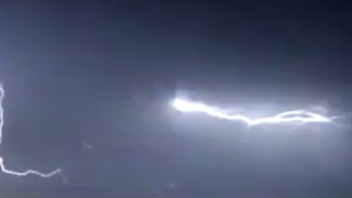 Spectacular Lightning Storm Seen Above Brighton - Video