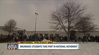 Thousands of students walk out of class to remember Parkland victims, protest gun violence - Video