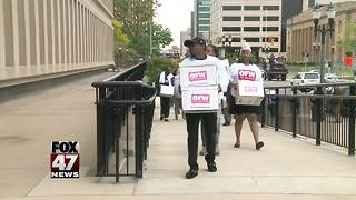 Minimum wage signatures turned in - Video
