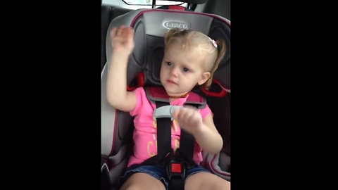 Cute toddler sings to 'All About That Bass'