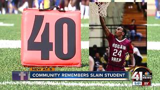 Teen shooting victim mourned at football game - Video