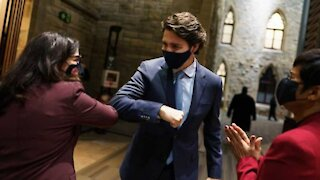 Justin Trudeau Just Listed All The COVID-19 Benefits Canadians Can Get & What They're For