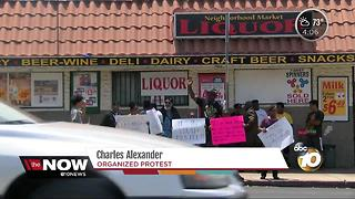Community activists protest local liquor store in Barrio Logan - Video