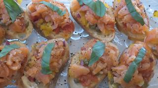 Smoke salmon bruschetta recipe - Video
