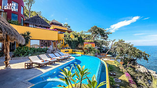 This Luxury Villa in Puerto Vallarta Has Oceans Views at Every Angle