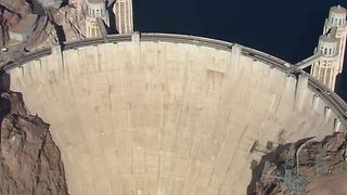 Man arrested after swimming across Hoover Dam - Video