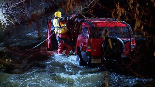 Crews rescue car from river in Akron
