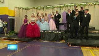 Denmark High elects inspiring prom king - Video