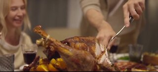Some Americans follow pleas to change Thanksgiving plans