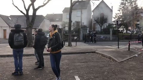 Smoke Seen on Paris Streets as Student Protesters Face Police in Mossy