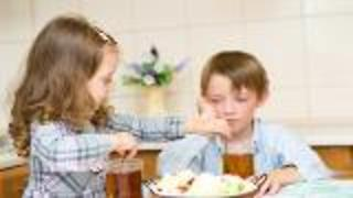 Family Style Lunch for Pre-School - Video