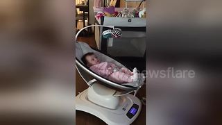 Baby hears Led Zeppelin for the first time - Video