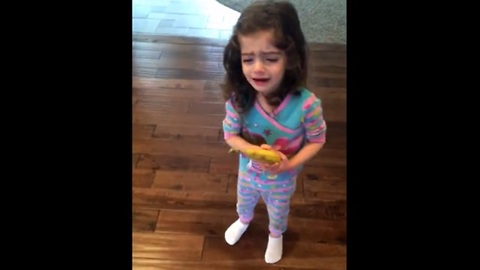 Her Mom Made The Mistake Of Peeling Her Banana For Her. The Result Is Beyond Hilarious!
