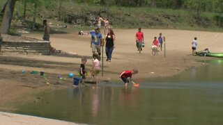 Families throughout Milwaukee spend Memorial Day outside