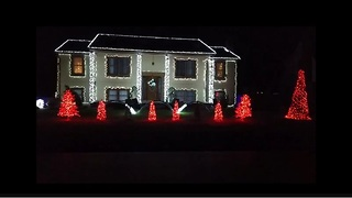 Connecticut home puts on incredible Christmas light show - Video