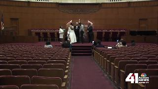 Unity Temple celebrates love with free wedding ceremonies this Valentine's Day - Video