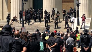 Opposing Armed Groups Turn Out At Breonna Taylor Protest In Louisville