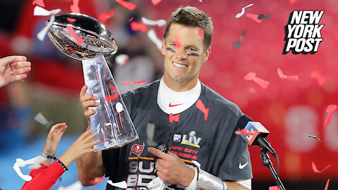 Tom Brady signs extension to remain with Buccaneers until age 45