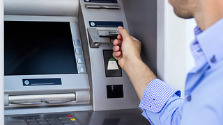 Five ways to totally avoid ATM fees - Video