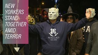 Halloween marches on after NYC's attack - Video