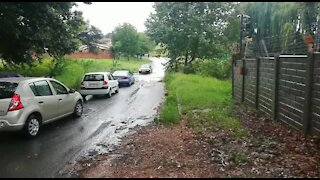 Rain causes flash flooding in Johannesburg (nLs)