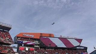 Father of Browns punter Jamie Gillan leads flyover during national anthem