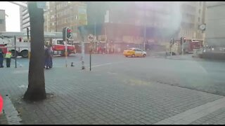 People trapped in Joburg burning building (5wn)