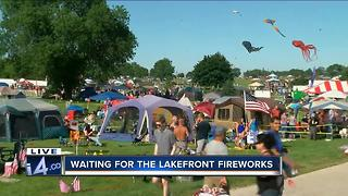 Thousands expected for lakefront fireworks - Video