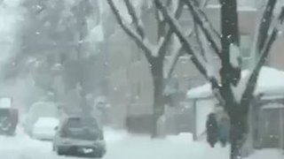 Timelapse Shows Snow-Covered Chicago Neighborhood