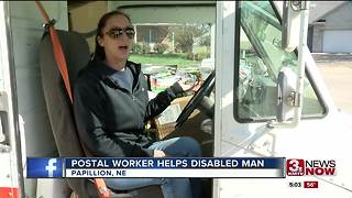 NE Nice: Postal worker helps disabled man - Video
