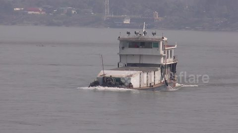 Shipping disrupted as Mekong River sees low water level