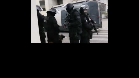 Police Close Off Streets in Strasbourg as Manhunt for Shooting Suspect Continues
