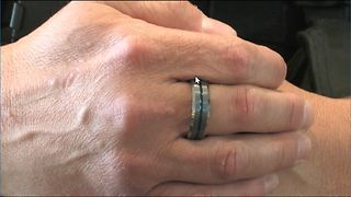 Jewelry Store Challenges others to Support Police - Video