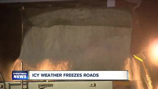 Roads freezing in storm - Video