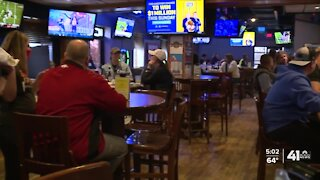 Restrictions frustrate some Johnson County bar, restaurant owners