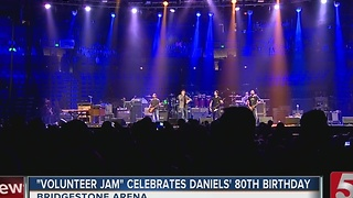 Money Raised For Veterans At Charlie Daniels' Volunteer Jam - Video