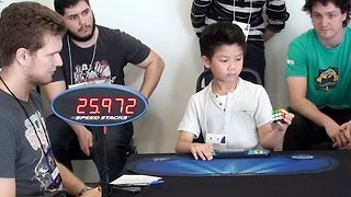 Seven-Year-old boy Solves Rubik's Cube in 27 Seconds With one Hand - Video