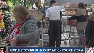 Kansas Citians stock up for weekend ice storm - Video