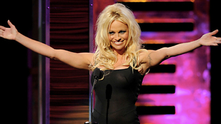 Pamela Anderson Ventures Into Stand-up Comedy With Show In NYC - Video