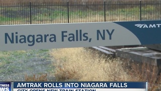 Amtrak rolls into Niagara Falls - Video