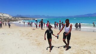 South Africa - Cape Town - Nice Weather at the beach (Video) (kVm)