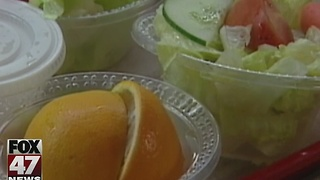 Report: Schools meeting nutrition standards - Video