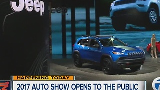 2017 Detroit Auto Show opens to public - Video