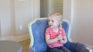 Dad asks adorable kids questions about the USA - Video